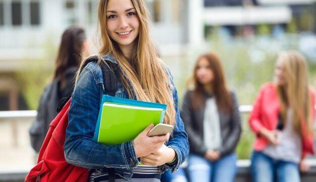 https://vbbabogados.com/wp-content/uploads/2019/04/estudiantes-en-el-extranjero-626x360.jpg